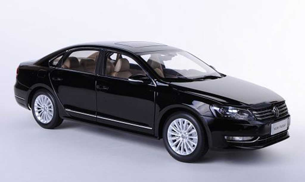Volkswagen Passat 1/18 Paudi (NMS) noire Asien-Version 2011 miniature