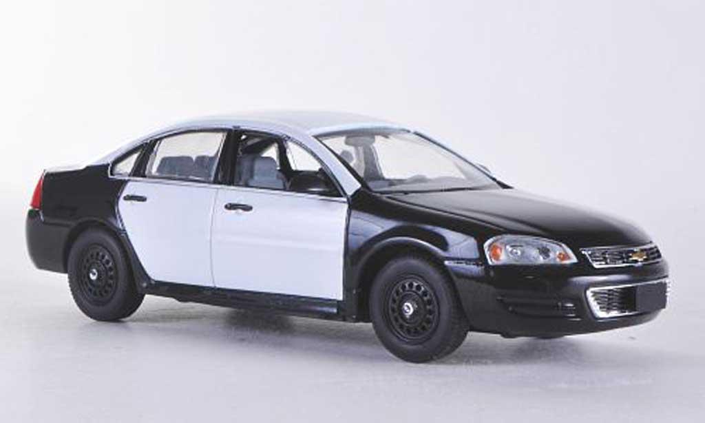 Chevrolet Impala 2011 1/43 First Response noire/blanche mit Polizei-Zubehor miniature