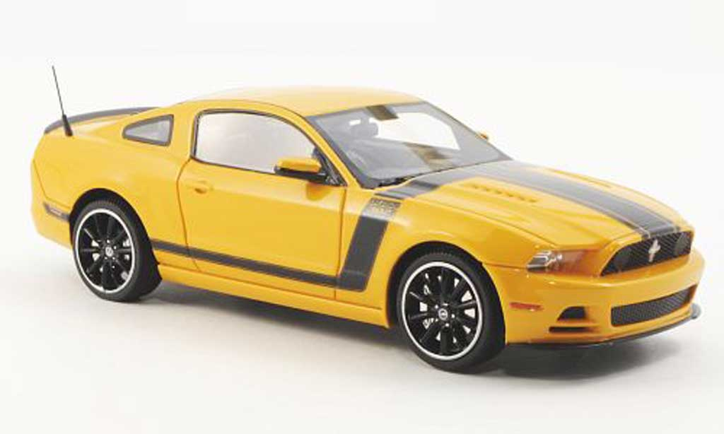 Ford Mustang 2013 1/43 Schuco Boss 302 yellow