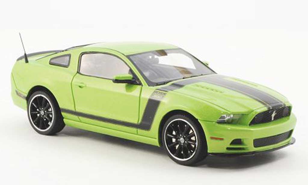 Ford Mustang 2013 1/43 Schuco 2013 Boss 302 grun miniature