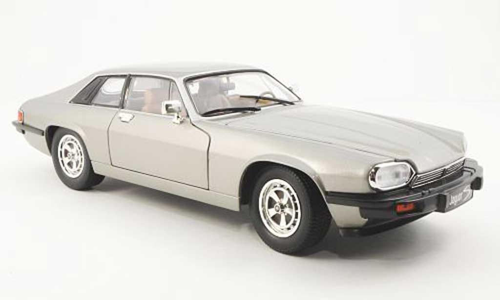Jaguar XJS 1975 1/18 Yat Ming grise LHD miniature