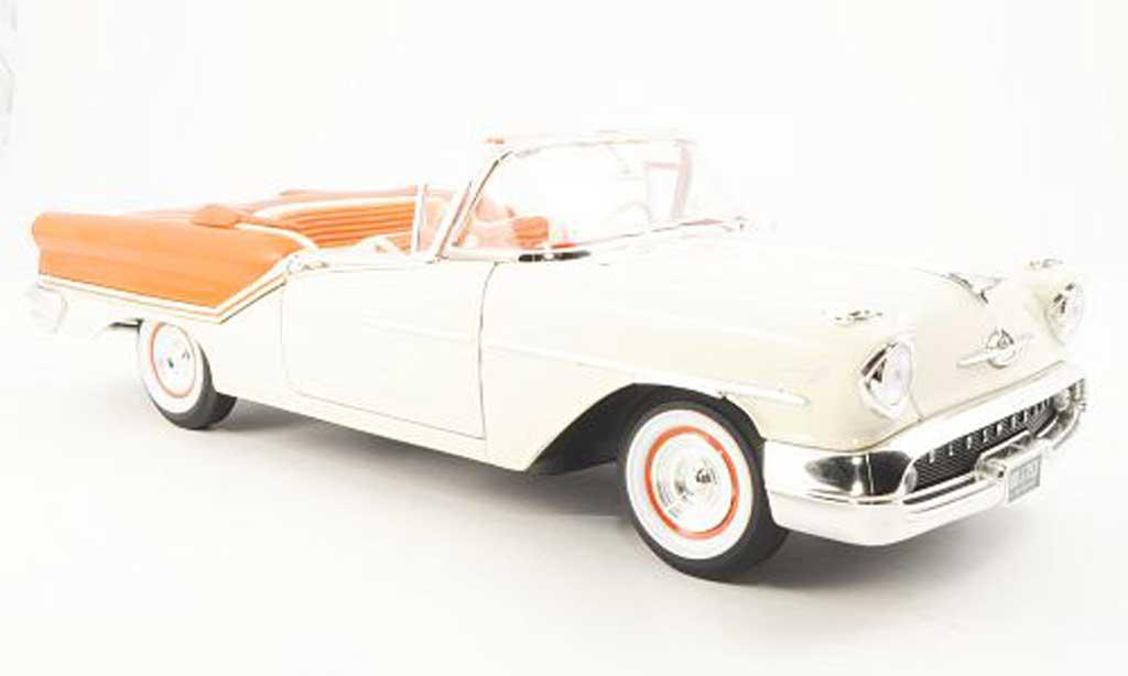 Oldsmobile Super 88 1/18 Yat Ming Convertible blanche/orange 1957 miniature