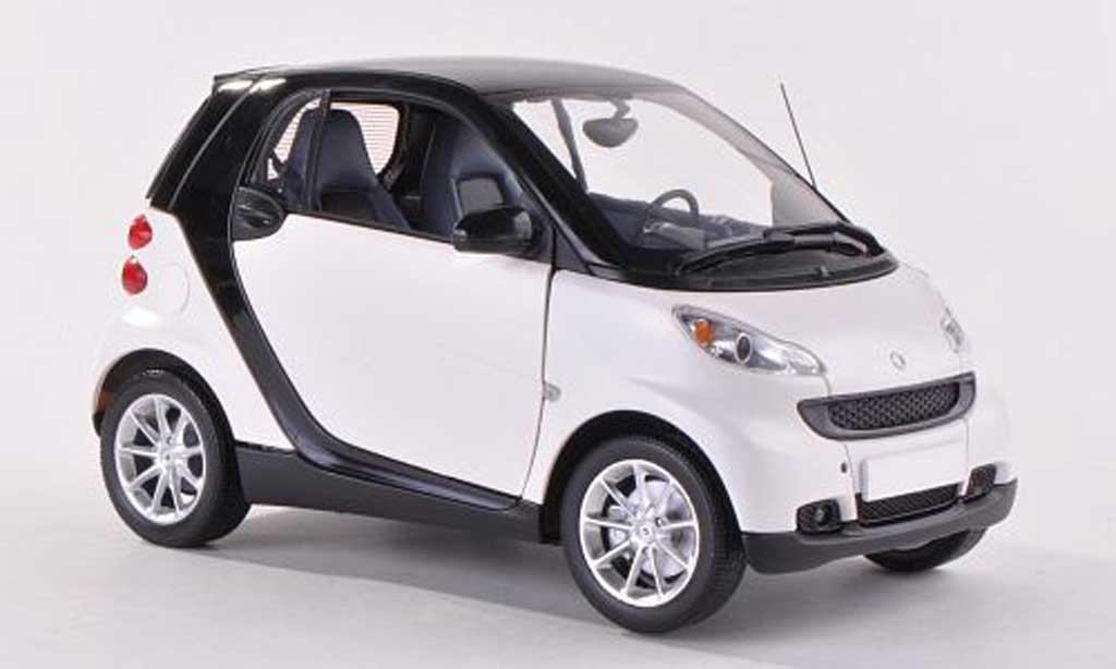 Smart Fortwo 1/18 Minichamps Coupe blanche/noire  2007 miniature