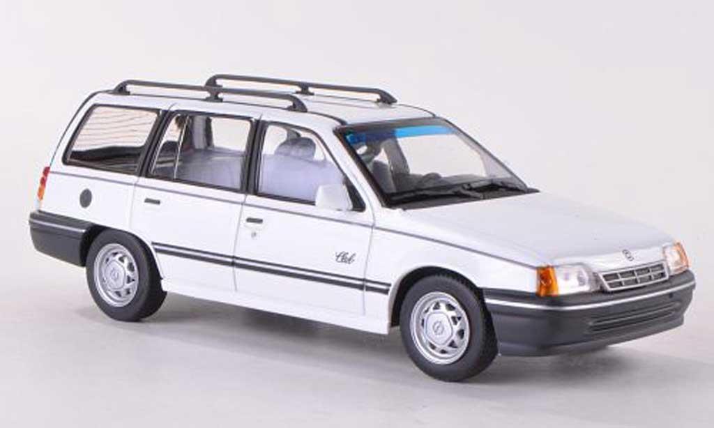 Opel Kadett E 1/43 Minichamps Caravan blanche 1989 miniature