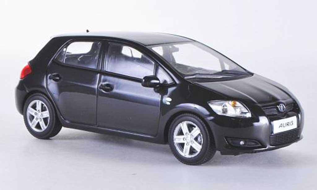 Toyota Auris 1/43 Minichamps noire 5-Turer 2007
