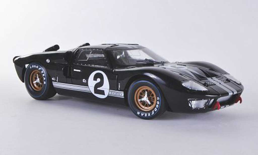 Ford GT 40 1/18 Shelby Collectibles MK II No.2 McLaren/Amon 24h Le Mans 1966 miniature