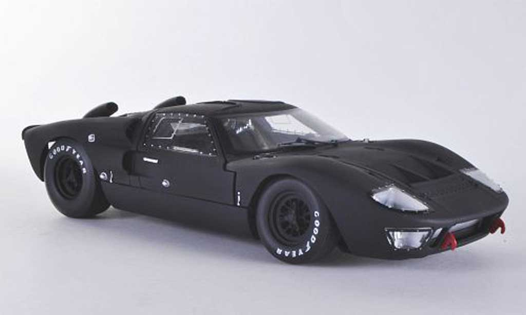 Ford GT 40 1/18 Shelby Collectibles MK II mattnoire 1966 miniature