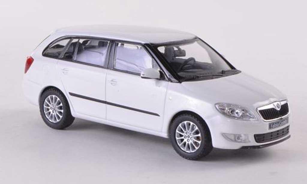Skoda Fabia II 1/43 Abrex Combi blanche Facelift 2010 miniature