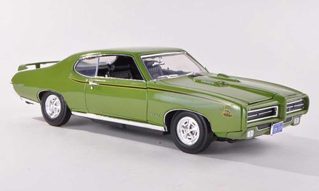 Pontiac GTO 1/18 Motormax Judge green  1969 diecast