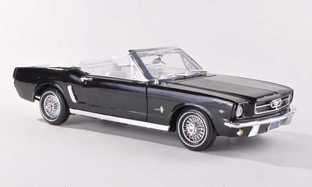 Ford Mustang 1964 1/18 Motormax 1964 Convertible noire miniature