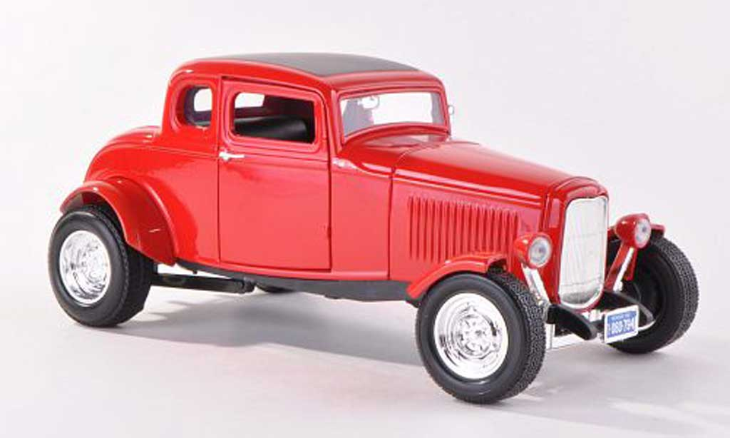Ford 1932 1/18 Motormax Five Window Coupe rouge