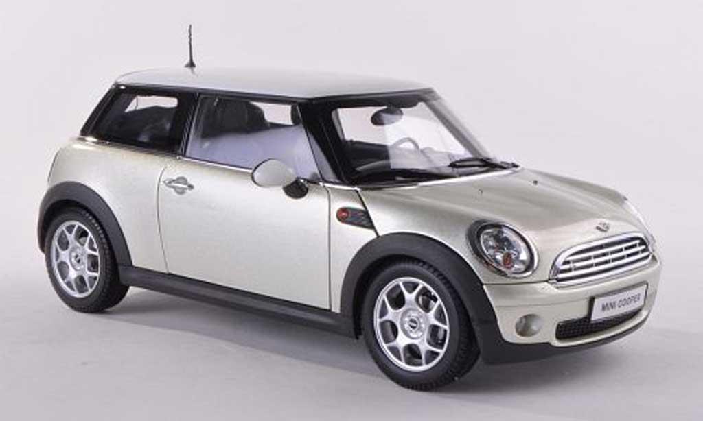 Mini Cooper D 1/18 Kyosho clair-beige avec blancheem toit miniature
