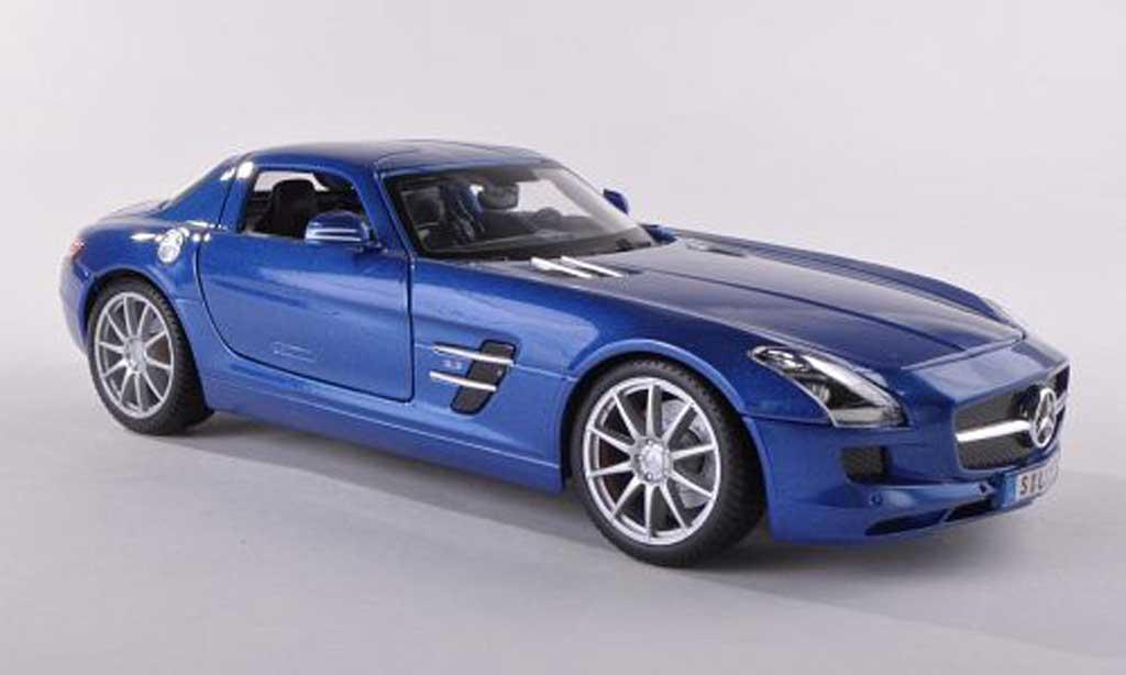Mercedes SLS 1/43 Maisto AMG (C197) bleu miniature