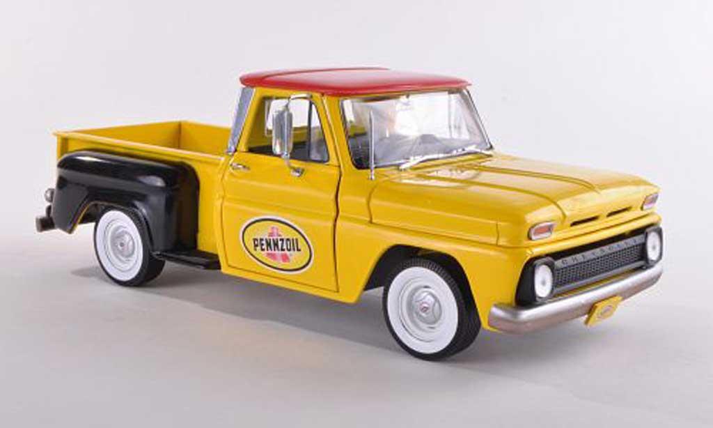Chevrolet C-10 1/18 Greenlight Stepside Pennzoil 1965 diecast model cars
