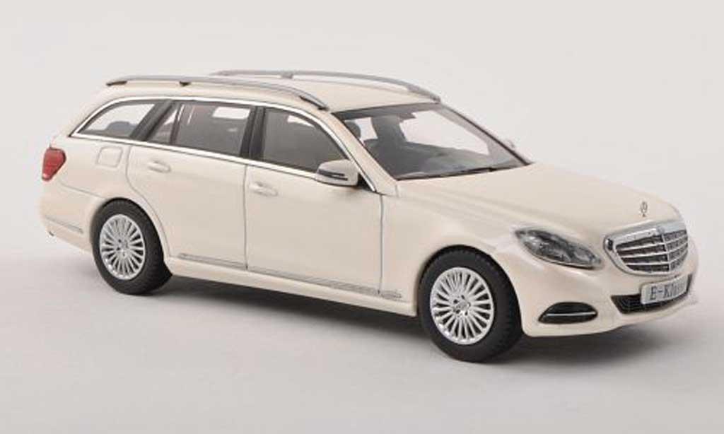 Mercedes Classe E 1/43 Kyosho T-Modele (S212) blanche  2013 miniature