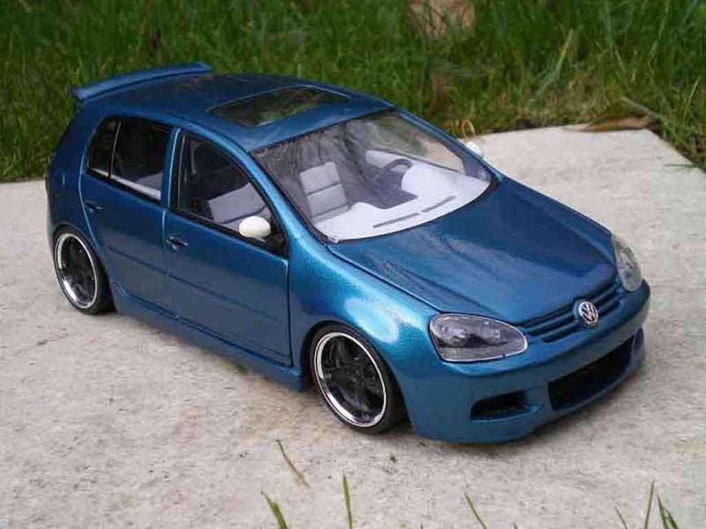 Volkswagen Golf V GTI 1/18 Burago sportlines diecast
