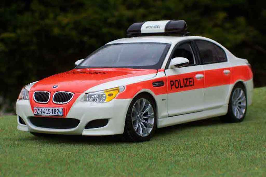 Bmw M5 E60 1/18 Maisto moto gp safety car / police / polizei miniature