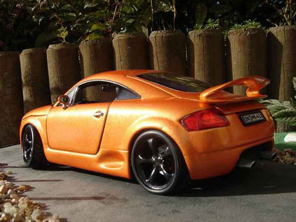 Audi TT coupe 1/18 Revell orange tuning jantes techart miniature