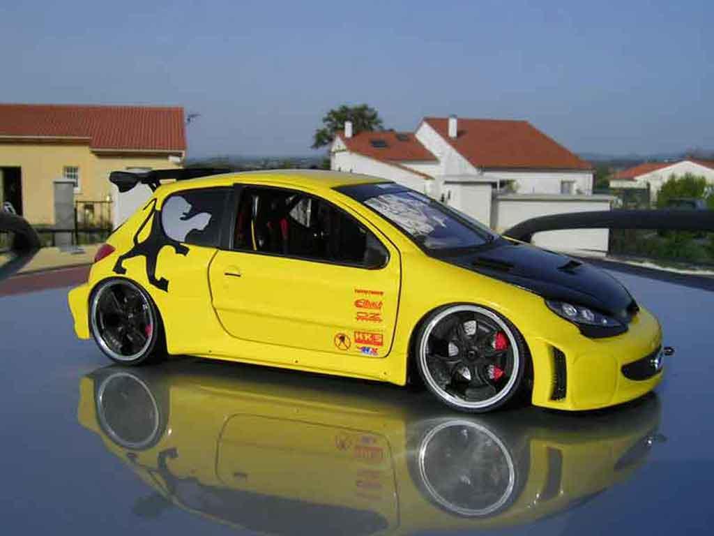 Peugeot 206 WRC 1/18 Solido tuning jaune miniature