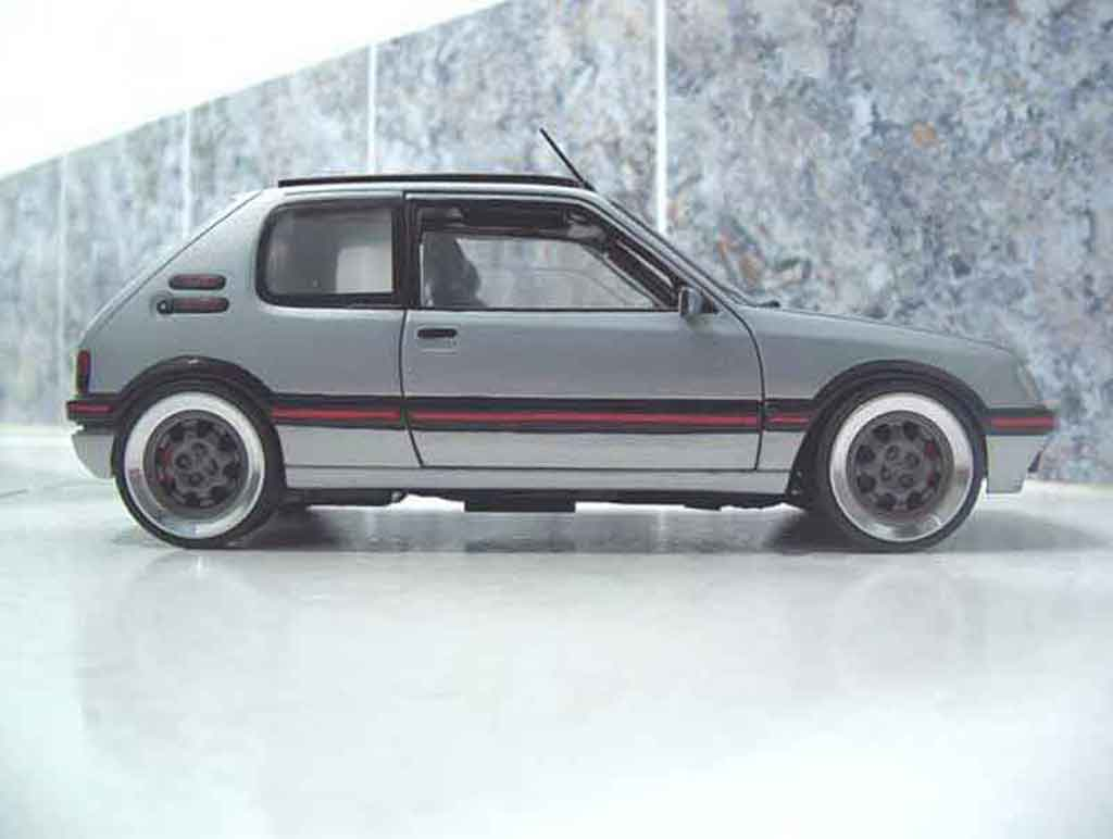 Peugeot 205 GTI 1/18 Solido panoramique diecast model cars
