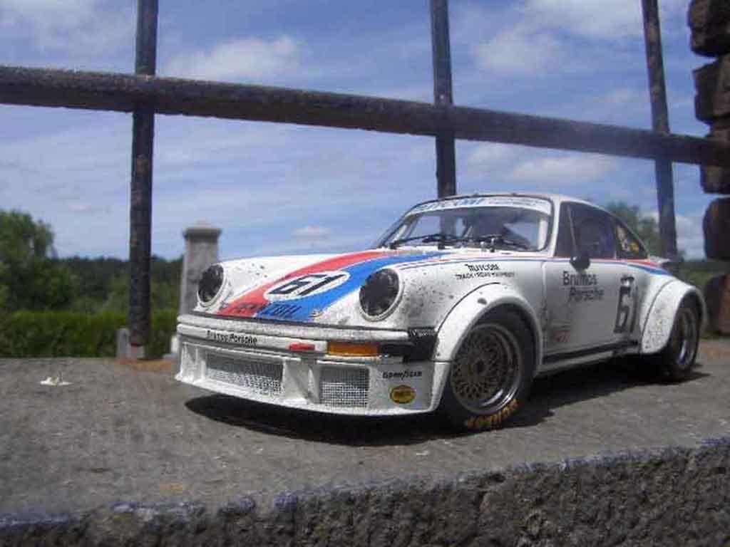 Porsche 934 1/18 Exoto rsr #61 brumos finish line miniatura