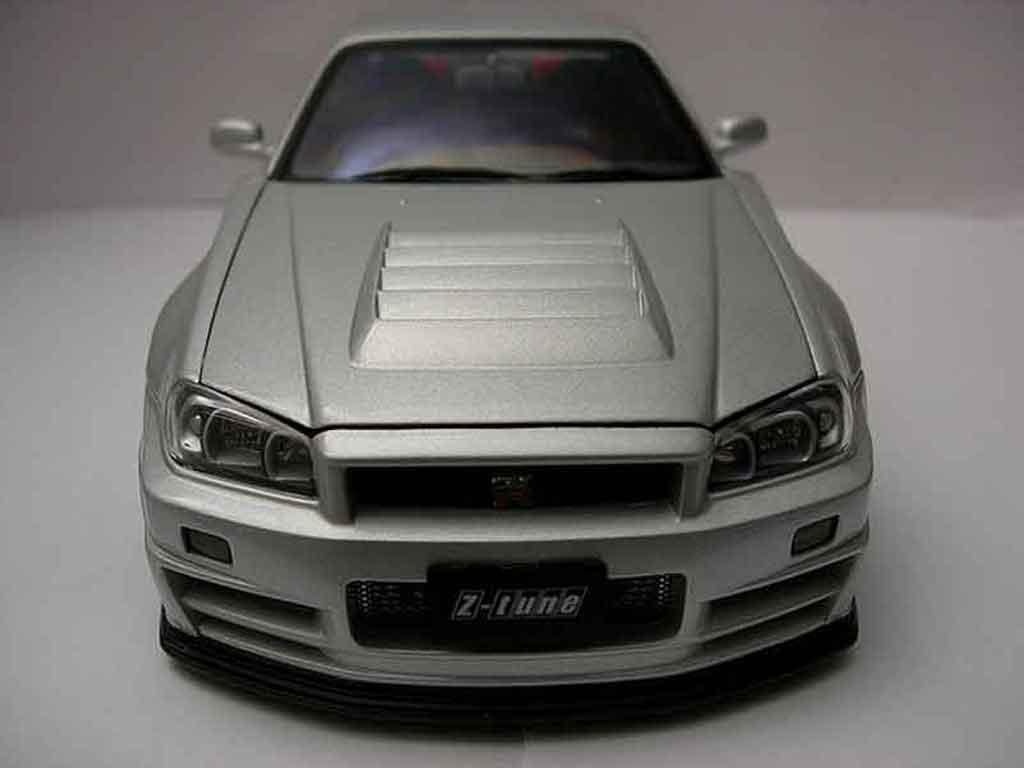 Nissan Skyline R34 GTR 1/18 Autoart nismo z-tune modellino in miniatura