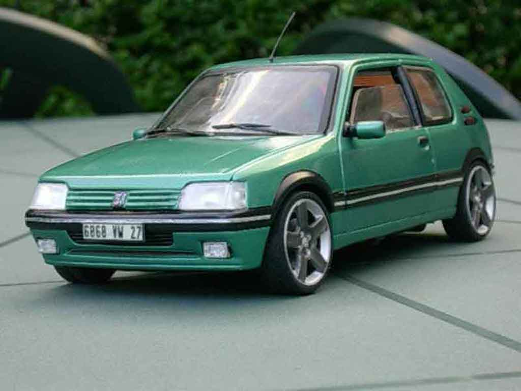 Peugeot 205 GTI 1/18 Solido Griffe 1.9 jantes blacks diecast model cars