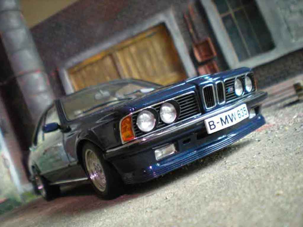 Bmw 635 CSI 1/18 Autoart m bleue metallic miniature