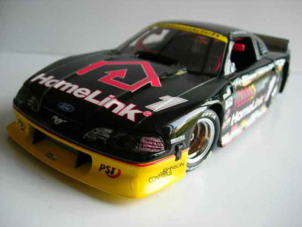 Ford Mustang 1999 1/18 GMP v8 paul gentilozzi miniature
