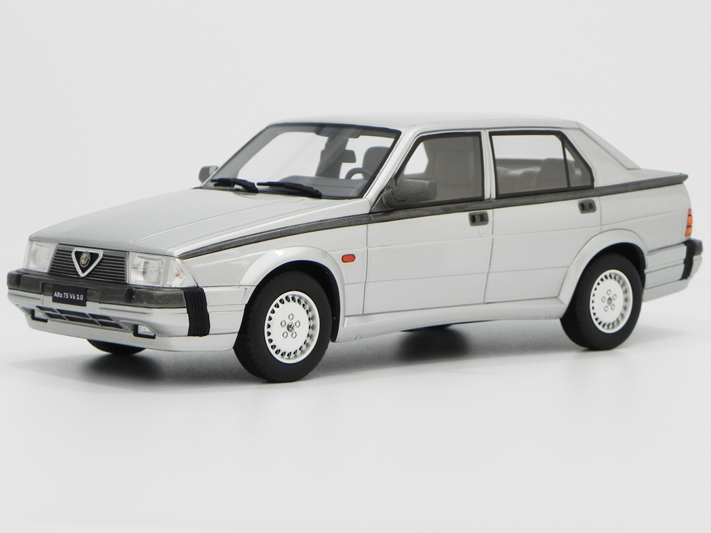 Alfa Romeo 75 V6 1/18 Laudoracing Models 3.0 LM087C grigia miniatura