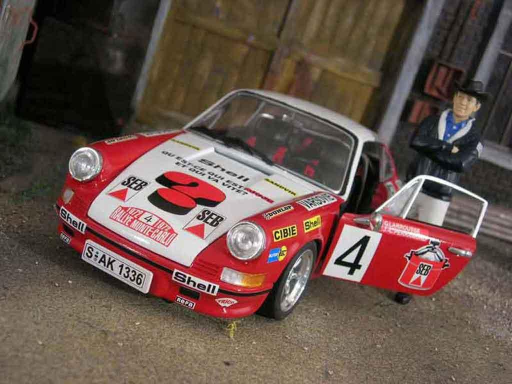 Porsche 911 2.4 1/18 Universal Hobbies monte carlo 1972 miniature