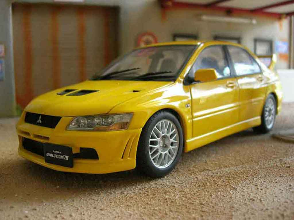 Mitsubishi Lancer Evolution VII 1/18 Autoart yellow diecast