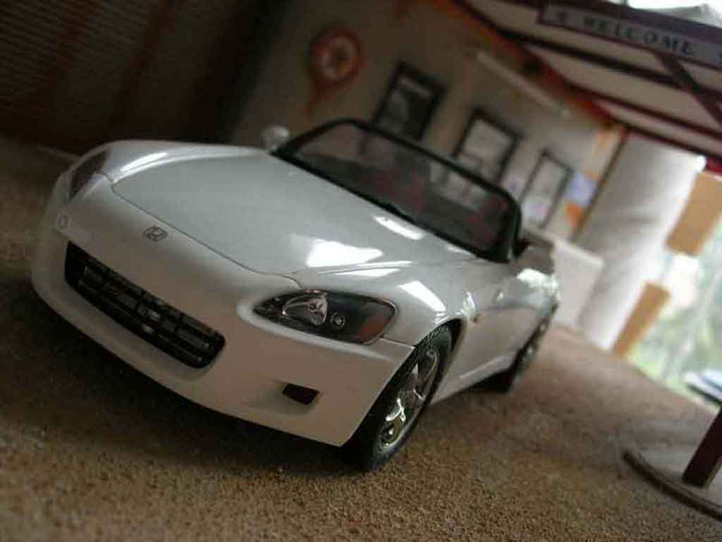 Honda S2000 1/18 Autoart white diecast model cars