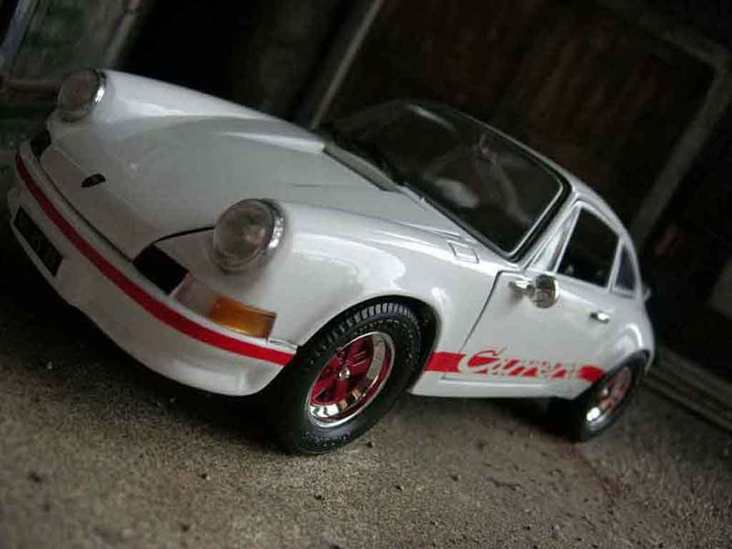 Porsche 911 RS 1/18 Universal Hobbies 2.7 white diecast model cars
