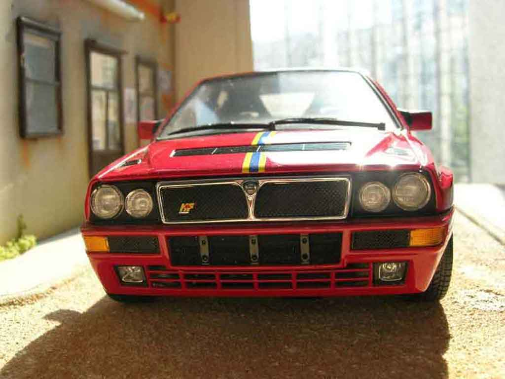 Lancia Delta HF Integrale 1/18 Kyosho evolution 2 collezione miniature