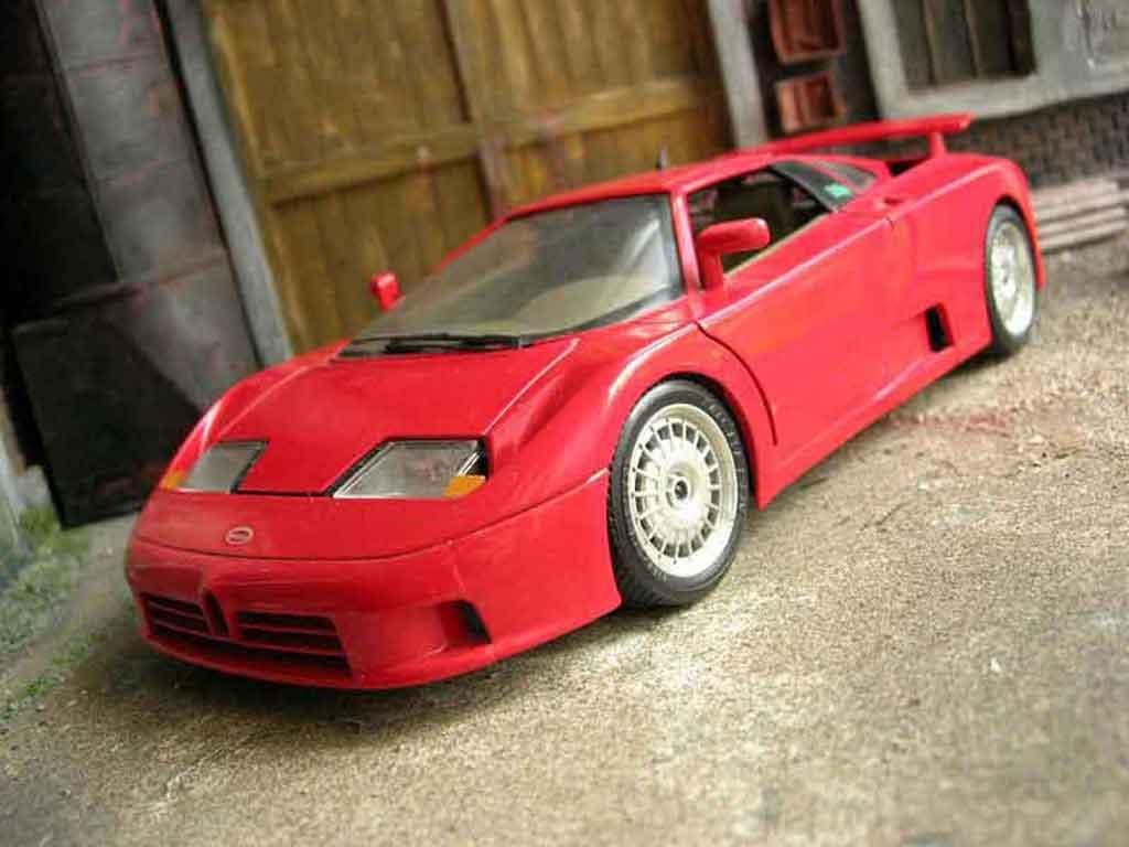 Bugatti EB110 1/18 Burago  miniature