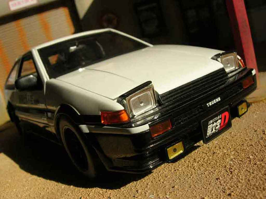 Toyota Trueno 1/18 Jada Toys ae86 diecast