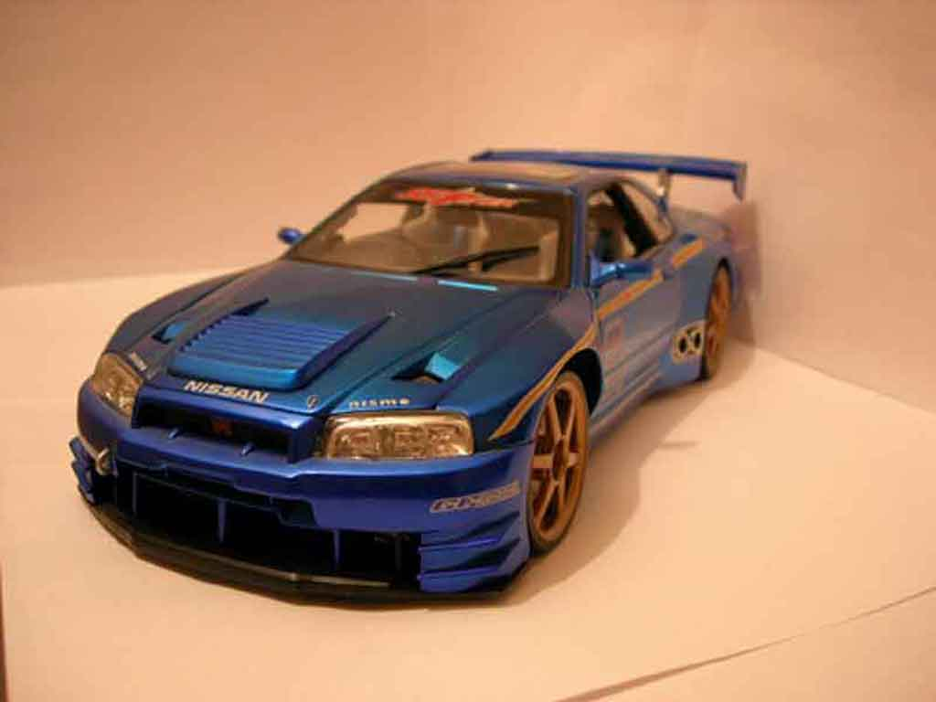 Nissan Skyline R34 GTR 1/18 Muscle Machines kit large reduziert