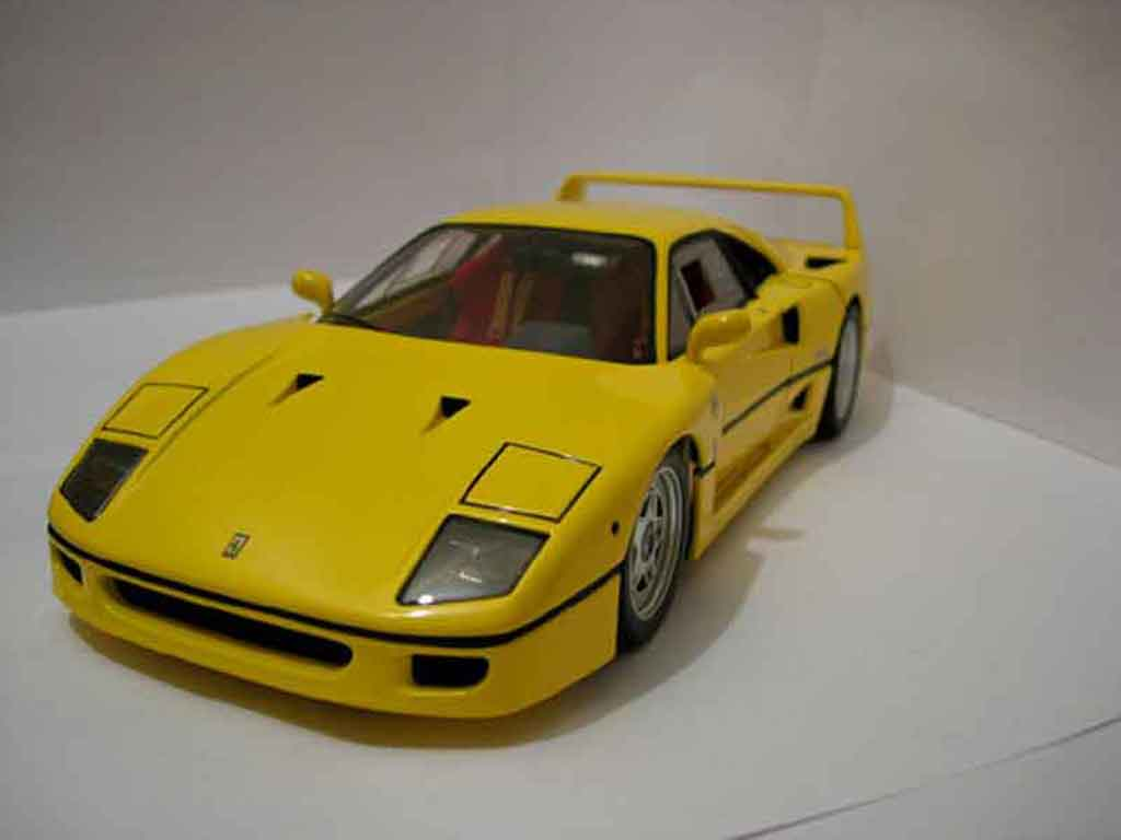 Ferrari F40 1/18 Hot Wheels Elite yellow diecast model cars