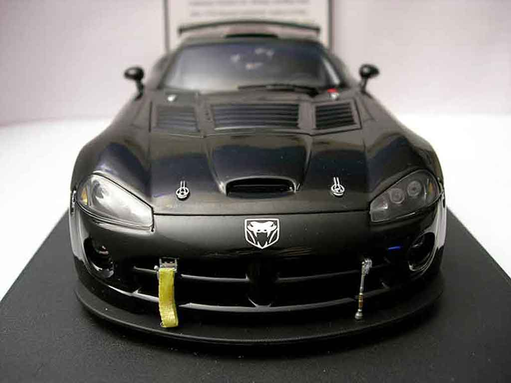 Dodge Viper Competition 1/18 Autoart car 2004 diecast