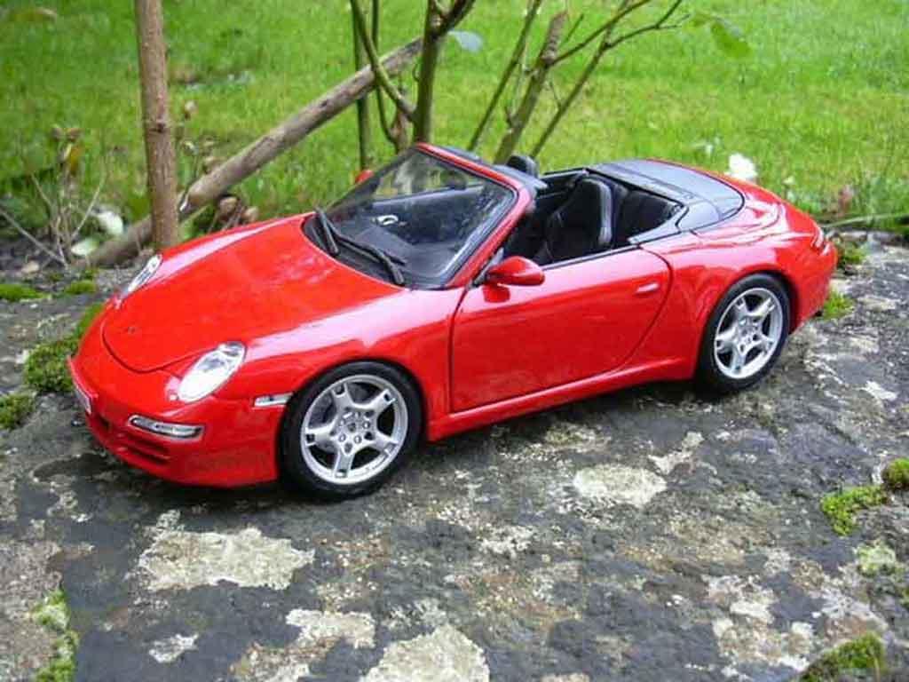 Porsche 997 Cabriolet 1/18 Maisto S rouge miniature