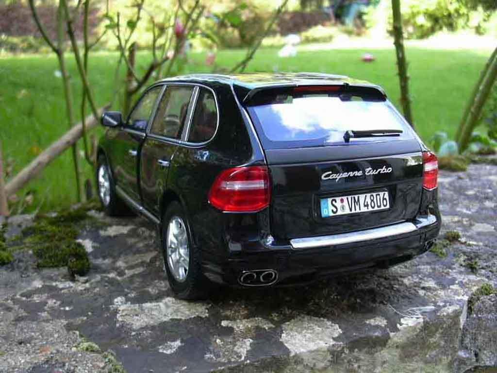 Porsche Cayenne Turbo 1/18 Norev noire 2007 miniature