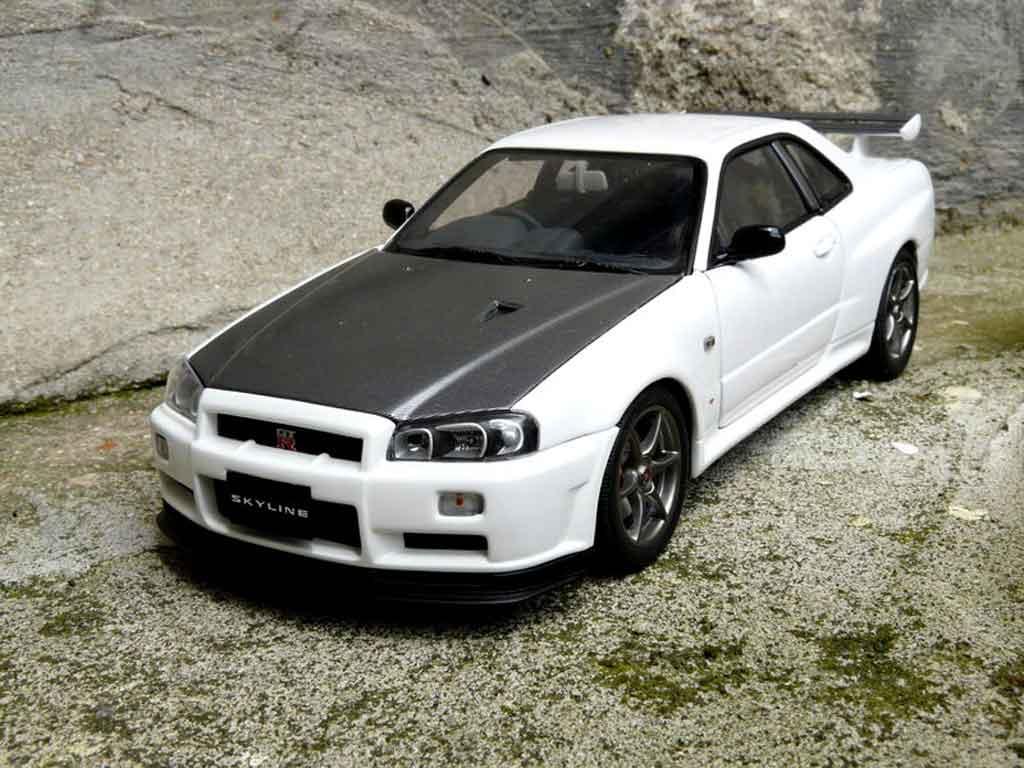 Nissan Skyline R34 1/18 Autoart blanche gn1