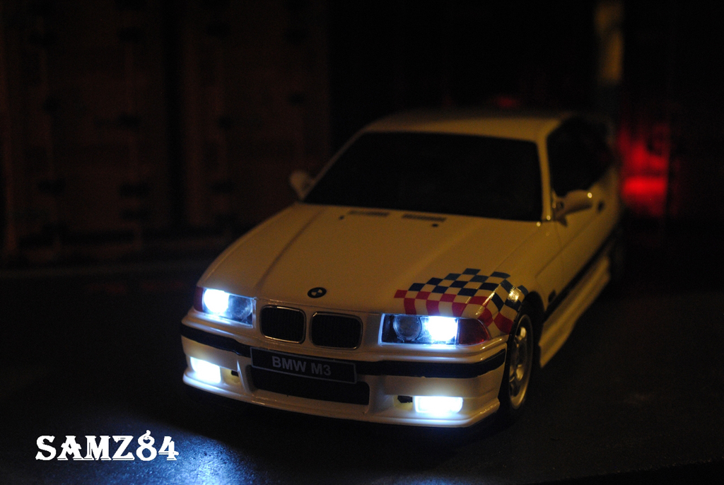 Bmw M3 E36 1/18 Ottomobile Light Weight LED miniatura