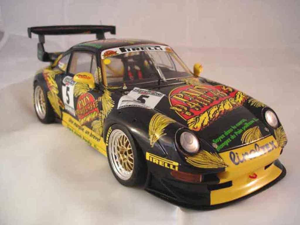 Porsche 993 GT2 1/18 Ut Models ffsa 99 pain paillasse miniature