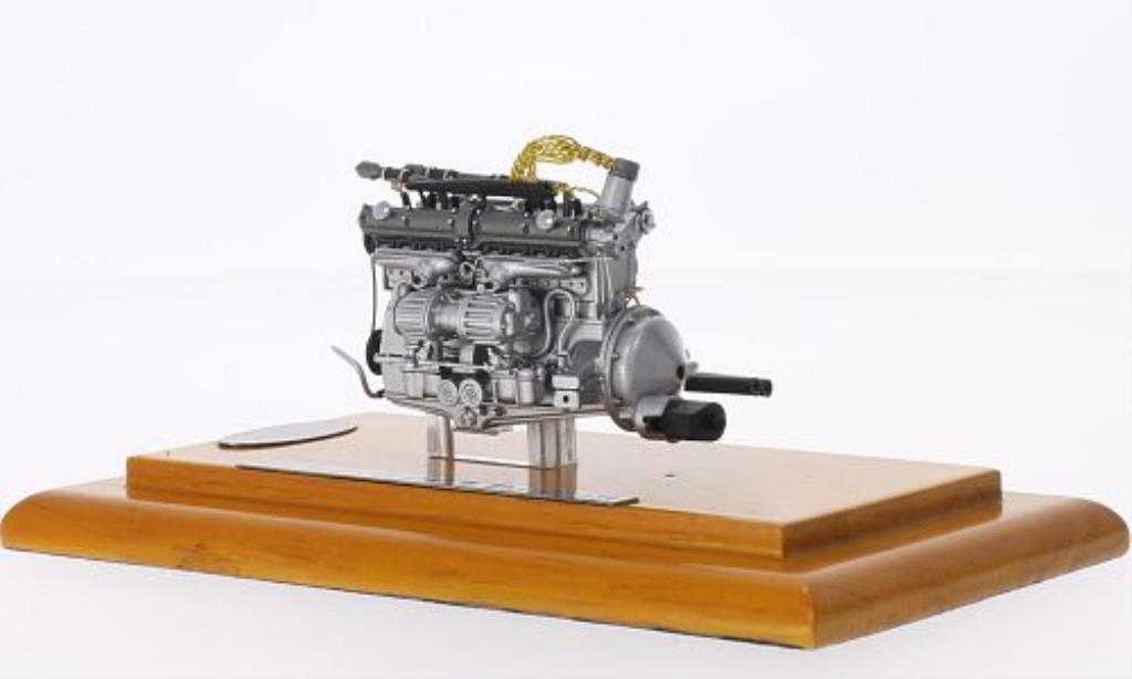 Alfa Romeo 8C 2900 1/18 CMC B Motoraggregat 1938 miniature