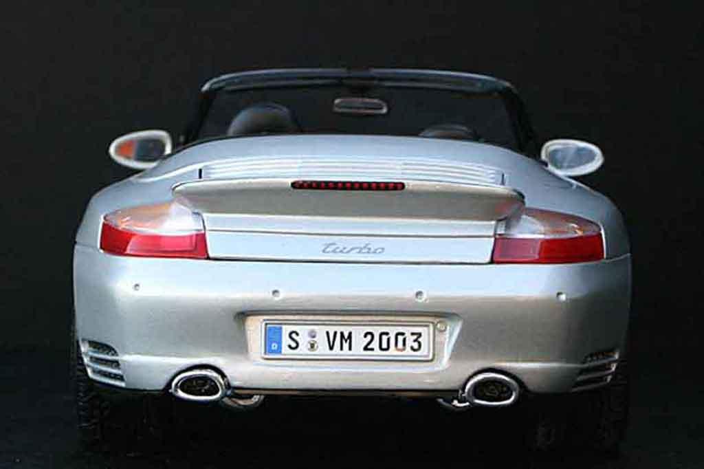 Porsche 996 Turbo 1/18 Maisto cabriolet grise miniature