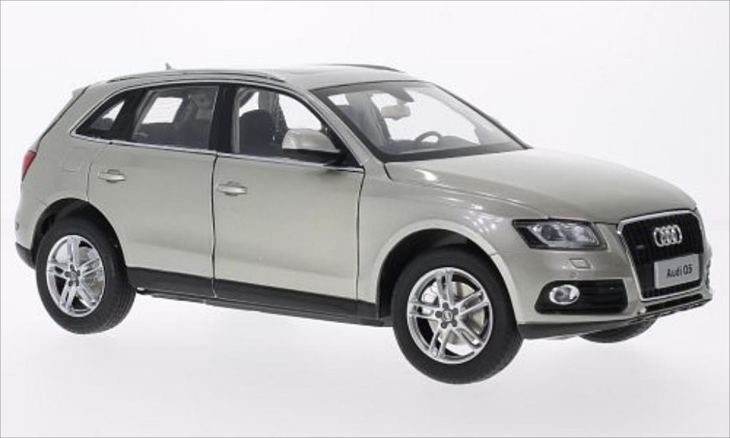 Audi Q5 1/18 Paudi metallise beige 2014 miniature