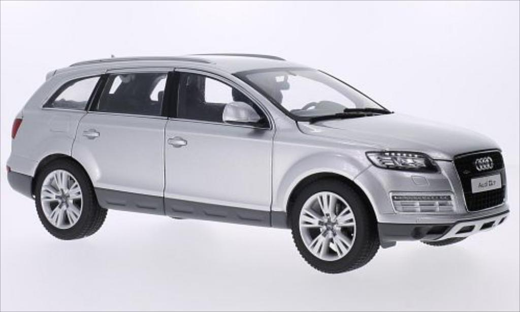 Audi Q7 1/18 Kyosho grise 2013 miniature