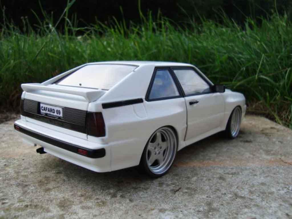 Audi Sport Quattro 1/18 Autoart blanche jantes amg en 17 pouces entierement en alu miniature